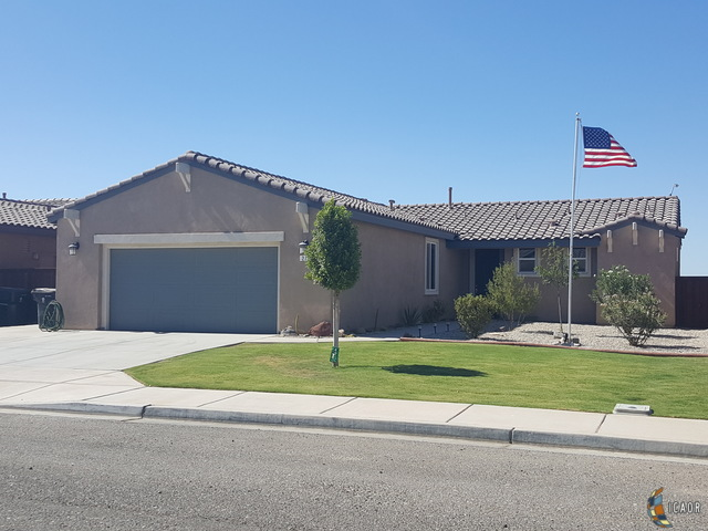Photo of 274 W LA PAZ DR, Imperial Imperial Valley Real Estate and Imperial Valley Homes for Sale