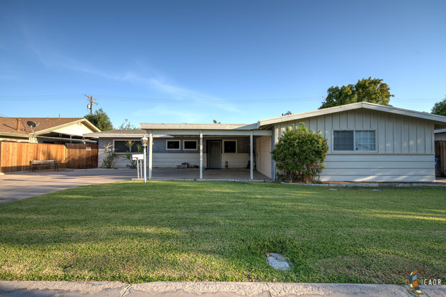 Photo of 647 DESERT GARDENS DR, El Centro Imperial Valley Real Estate and Imperial Valley Homes for Sale