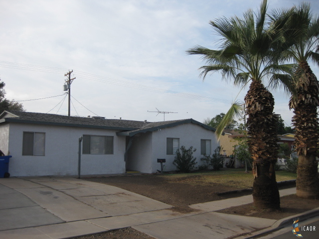 Photo of 615 SMOKETREE DR, El Centro Imperial Valley Real Estate and Imperial Valley Homes for Sale