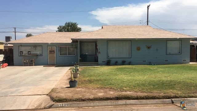 Photo of 1229 SANDALWOOD DR, El Centro Imperial Valley Real Estate and Imperial Valley Homes for Sale