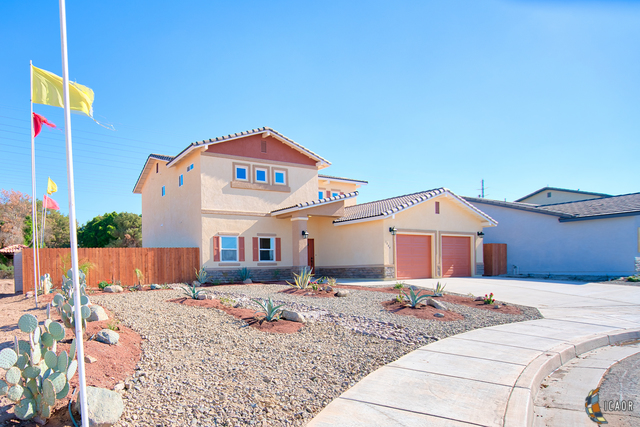 Photo of 1084 RIDGE PARK DR, Brawley Imperial Valley Real Estate and Imperial Valley Homes for Sale