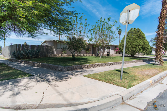 Photo of 586 WESTWIND DR, El Centro Imperial Valley Real Estate and Imperial Valley Homes for Sale