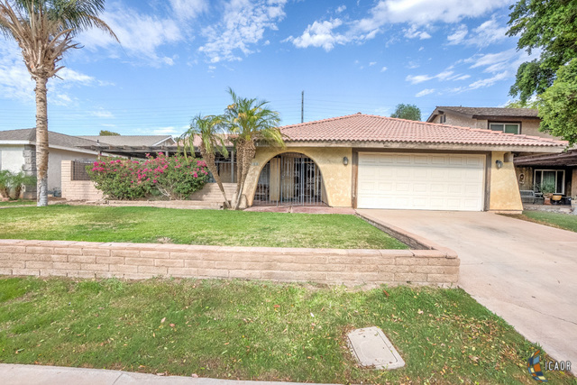 Photo of 1058 RIDGE PARK DR, Brawley Imperial Valley Real Estate and Imperial Valley Homes for Sale