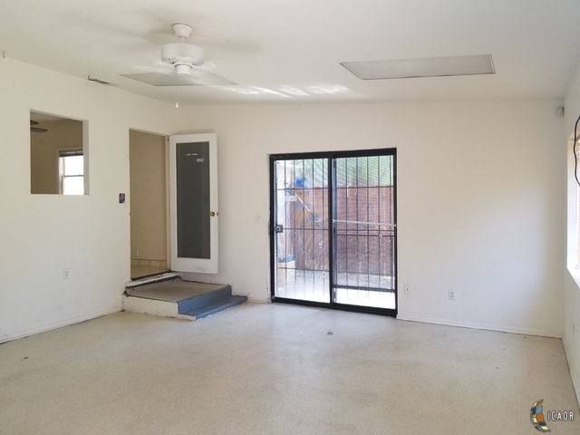Photo of 1059 SANDALWOOD DR, El Centro real estate for sale