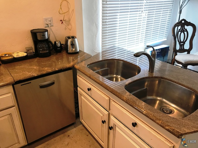 Photo of 863 W ORANGE AVE, El Centro real estate for sale