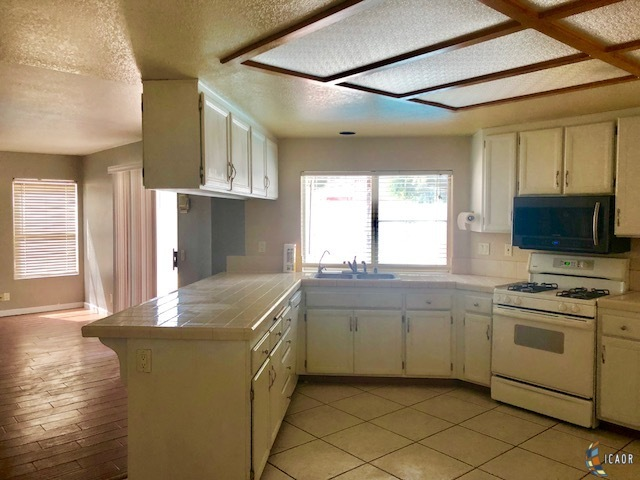 Photo of 2484 SANDALWOOD DR, El Centro real estate for sale