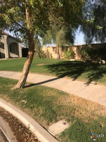 Photo of 1102 RIVERVIEW AVE, El Centro real estate for sale