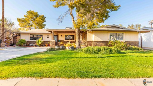 Photo of 950 Westwind Dr, El Centro Imperial Valley Real Estate and Imperial Valley Homes for Sale